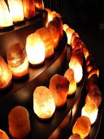 himalayan-rock-salt-lamp-benefits-336x448